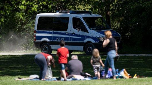 An Vatertag in Corona-Zeiten ist alles anders! Die Polizei Niedersachsen zieht nun eine erste Bilanz. (Symbolbild)
