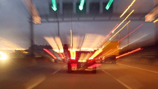 Die Braunschweiger Autobahnpolizei hat zwei Raser auf der A2 und A391 gestoppt. Unfassbar, wie schnell sie unterwegs waren. (Symbolbild)