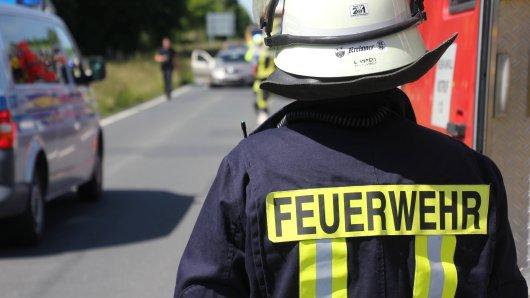 Ein brennender VW hat am Montag für Chaos, Frust und Stau auf der A2 bei Braunschweig gesorgt... (Symbolbild) (Symbolbild)