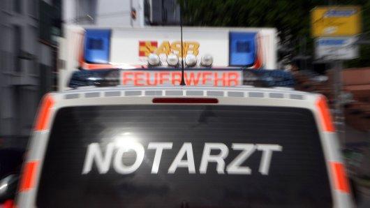 Der Rettungsdienst war sogar mit Hubschrauber vor Ort – vergeblich, der Mann war sofort tot. (Symbolfoto)