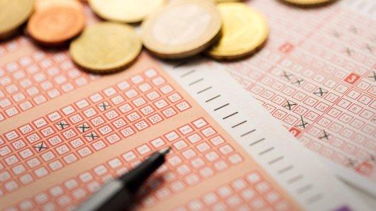 In Niedersachsen darf sich ein Tipper über einen Lotto-Gewinn rund 370.000 Euro freuen. (Symbolbild)