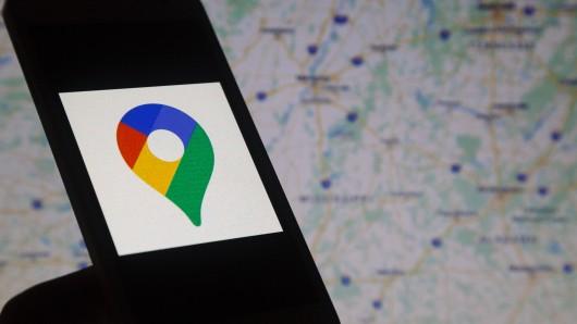 Eine Frau aus Niedersachsen hat bei Google Maps die Adresse ihrer Firma eingegeben. Doch was sie dann sah, macht sie bis heute wütend. (Symbolbild)