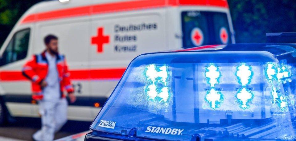 Auf der A2 bei Hannover kam es zu einem Lkw-Unfall, bei dem ein Mann lebensgefährlich verletzt wurde. (Symbolbild)