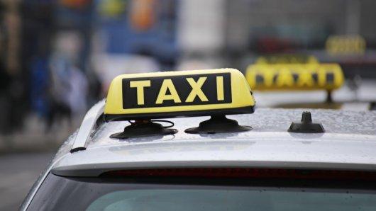 In Niedersachsen ist jetzt ein besonderes Taxi in Nordhorn unterwegs. Es hat eine eher ungewöhnliche Mission. (Symbolbild)