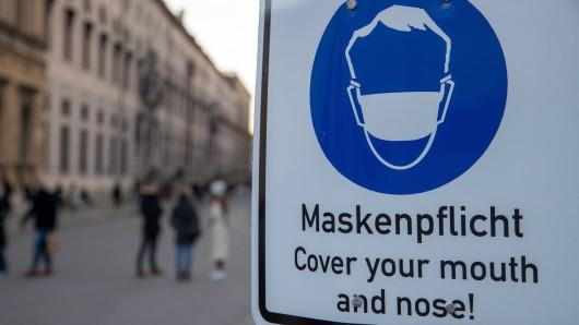 Die 7-Tage-Inzidenz ist in Niedersachsen derzeit unter 50. Braunschweig lockert daher die Maskenpflicht.