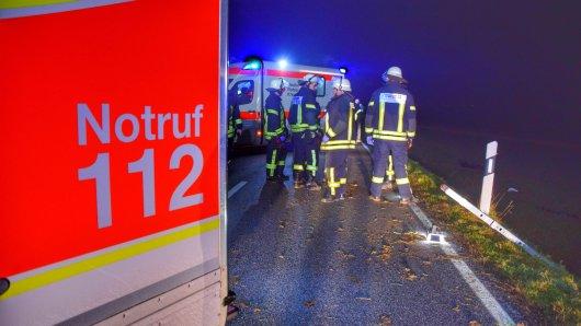 Bei einem Unfall im Kreis Peine kam ein Autofahrer am Montagmorgen ums Leben. (Symbolbild)