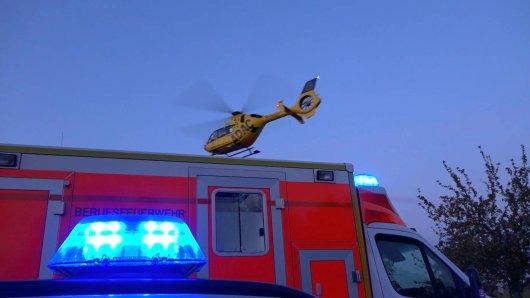 Auch ein Rettungshubschrauber war nach dem Unfall in der Region Hannover im Einsatz. (Archivbild)