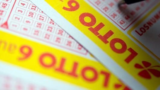 Beim Lotto in Niedersachsen hat ein Tipper richtig abgeräumt. (Symbolbild)