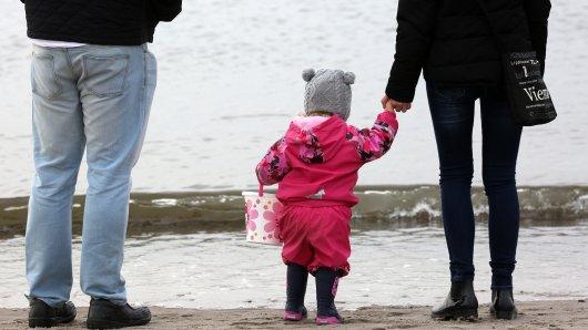 Corona in Niedersachsen: Seit Sonntag gelten neue Maßnahmen. Die Regeln für Kleinkinder wurden spontan doch noch gelockert.  (Symbolbild)
