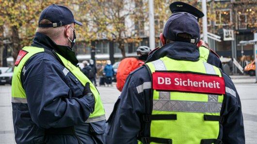 Am Hauptbahnhof Hannover wollte ein DB-Sicherheitsmitarbeiter bei einer Auseinandersetzung in einem Bahnhofsgeschäft helfen. (Symbolfoto)