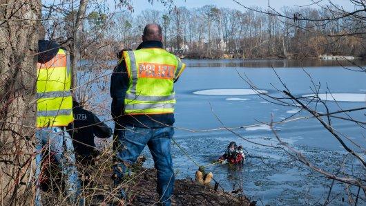 Traurige Gewissheit in Garbsen! Ein 17-Jähriger galt seit Freitag als vermisst – Taucher haben seine Leiche gefunden.