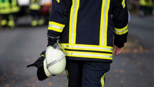 Bei diesem Missgeschick in Lehrte in der Region Hannover konnte nur noch die Feuerwehr helfen! (Symbolbild)