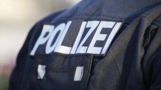 Polizisten haben zahlreiche Waffen bei mehreren Bundeswehrreservisten gefunden. (Symbolfoto)