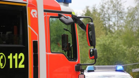 Auf der A7 bei Hannover hat ein Lkw Feuer gefangen. (Symbolbild)