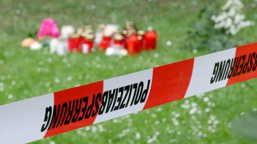 In Viersen hatte ein 17-Jähriger vor einem halben Jahr seine zwei Jahre jüngere Freundin erstochen. Am Montag beginnt in Mönchengladbach der Prozess, der Angeklagte steht wegen Mordes vor Gericht.