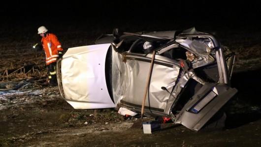 Am Abend hat es auf der K23 gekracht. Das Auto ist komplett kaputt.