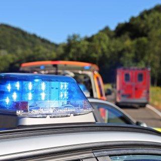 Nach einem Unfall in Salzdahlum im Landkreis Wolfenbüttel ist ein Motorradfahrer gestorben. Seine Verletzungen waren zu schwer. (Symbolbild)