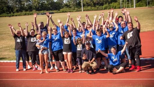 Der Spendenlauf Run & Fun in Edemissen war ein voller Erfolg - am meisten freut sich wohl Laura selbst darüber.