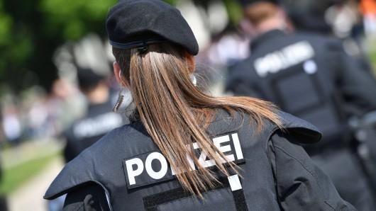 Clan-Mitglieder sollen eine Polizistin in Peine so sehr bedroht haben, dass die weggezogen ist. (Symbolbild)