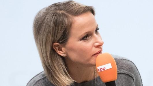 Moderierte schon zahlreiche CDU-Veranstaltungen: Claudia von Brauchitsch. Jetzt ausgerechnet auch das letzte Triell vor der Bundestagswahl auf Sat.1, ProSieben und Kabel Eins.