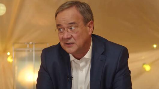 Armin Laschet wurde bei ProSieben von zwei Kindern interviewt. Das Video sorgt für Wirbel.