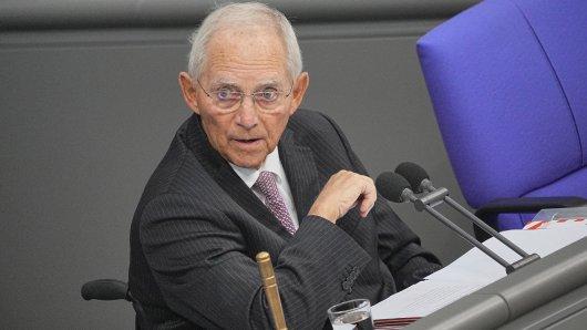 Bundestag: Während einer wichtigen Rede von Wolfgang Schäuble kam es zu irritierenden Aktionen von Abgeordneten.