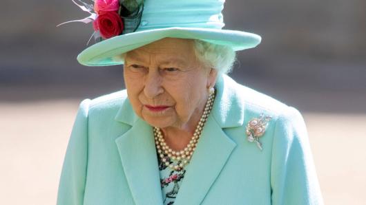 Queen Elizabeth II. ist nach den dramatischen Vorkommnissen in Beirut bestürzt.