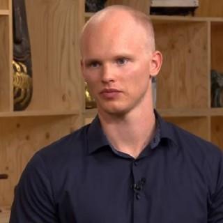 Bares für Rares im ZDF: Kandidat Melvin will ein Erbstück aus dem Krieg verkaufen.