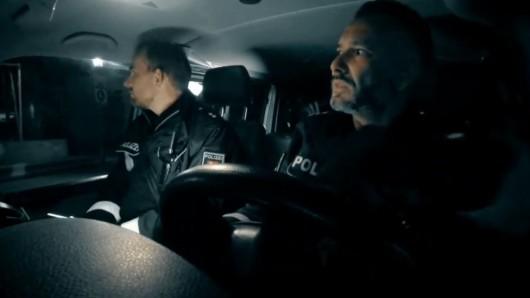 Ein RTL-Team hat zwei Nächte lang Polizisten in Hannover begleitet.