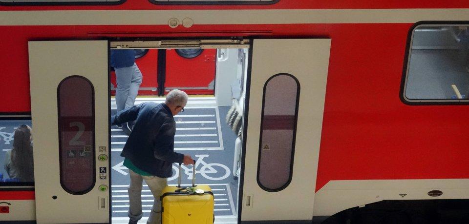 Pendler aufgepasst: Die Deutsche Bahn streikt am Dienstag – die Reise in die Niederlande ist gefährdet.