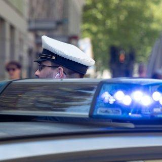 Die Polizei musste am Wochenende für fünf Schlägereien zu Einsätzen ausrücken. Das Ergebnis: Mehrere Platzwunden, kaputte Nasen und blutige Gesichter.