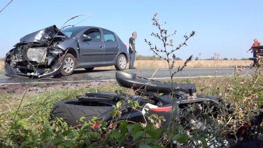 Schwerer Motorradunfall auf der Landstraße 52 zwischen Niegripp und Burg.