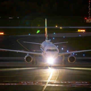 Flughafen Hannover: Bestimmte Maschinen dürfen ab 2020 nachts nicht mehr vom Flughafen Hannover starten oder landen. (Symbolbild)