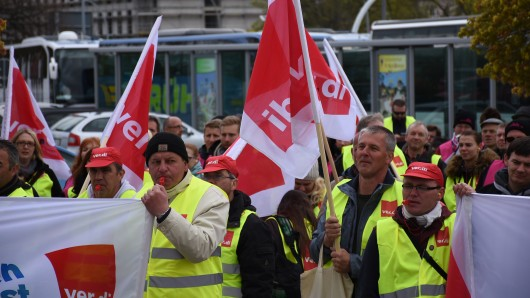 Beschäftigte des Öffentlichen Dienstes gingen in Salzgitter auf die Straße.