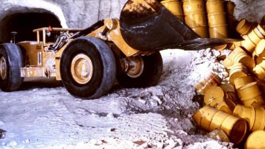 Schachtanlage Asse Fässer mit radioaktivem Müll. (Archivbild)