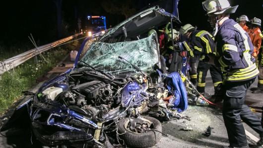 Dieses Auto wurde komplett zerstört.