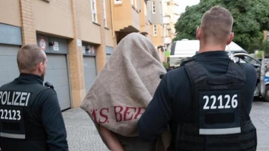 Der 57-Jährige soll noch im Laufe des Montagnachmittags einem Haftrichter vorgeführt werden (Symbolbild).