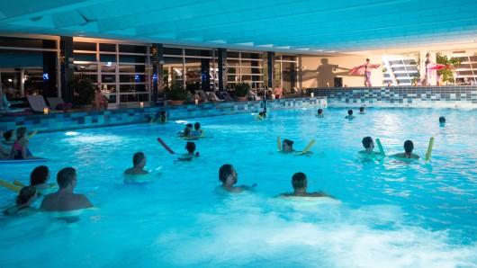 Badegäste im Thermalsolbad müssen künftig tiefer in die Tasche greifen. (Archivbild)