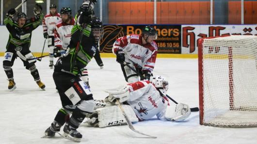 Die TAG Salzgitter-Icefighters gewinnen gegen Weserstars Bremen.
