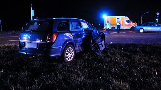 Aus diesem Auto musste die Frau vorsichtig befreit werden.