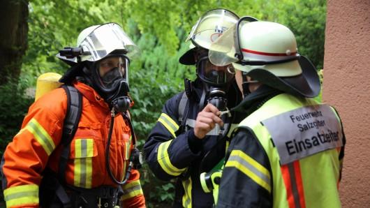 Eine Anwohnerin hatte den Brand in Salzgitter bemerkt und die Feuerwehr alarmiert.