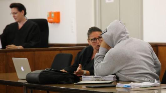 Der Ex-Trainer des Boxclubs Tigers musste sich ab Mittwoch vor dem Landgericht Braunschweig behaupten.
