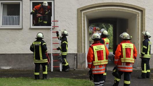 Die Feuerwehr Salzgitter ist in der Emsstraße im Einsatz.