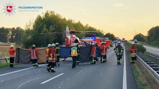 Die Rettungskräfte mussten die Unfallstelle abschirmen.
