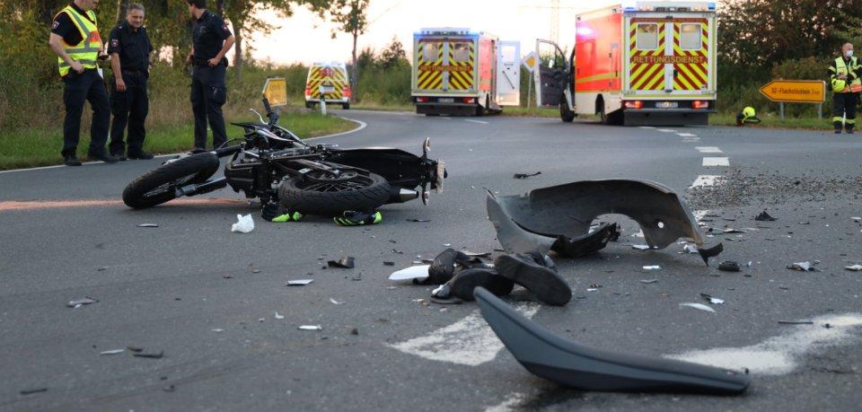 Auf der Landstraße 512 bei Salzgitter verunglückte am Abend eine Motorradfahrerin.