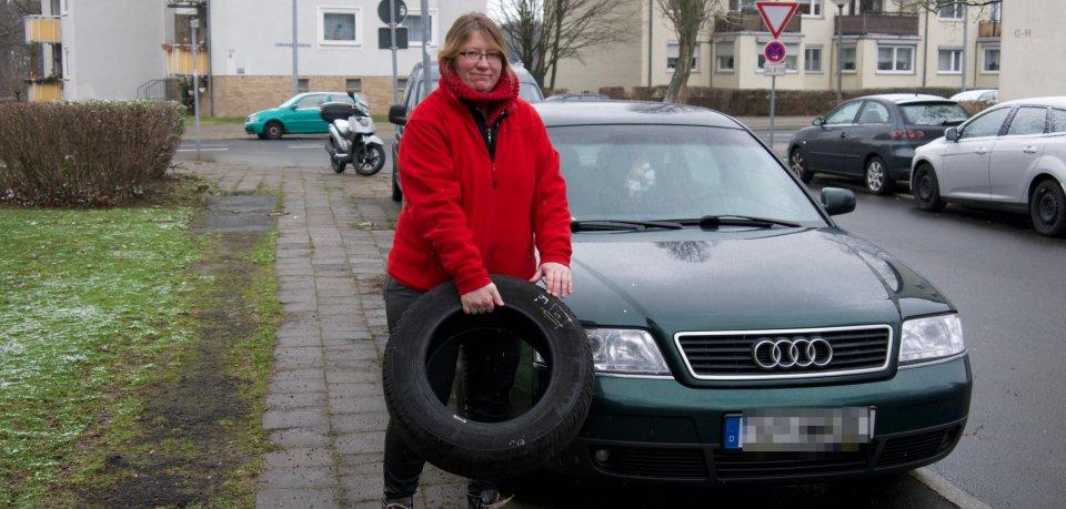 Heike aus Salzgitter hat die Nase voll. Schon fünf Mal wurde ein Reifen an ihrem Audi zerstochen.