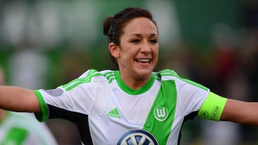 Nadine Keßler beendete nach anhaltenden Knieproblemen ihre aktive Fußballkarriere.