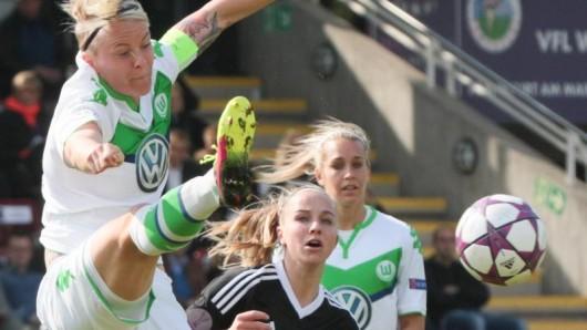 Die Fußballerinnen des VfL Wolfsburg in Aktion.