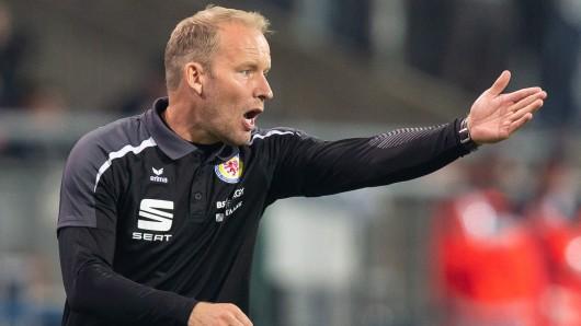 Henrik Pedersen und sein Team stehen gegen die Sportfreunde Lotte unter Druck (Archivbild).