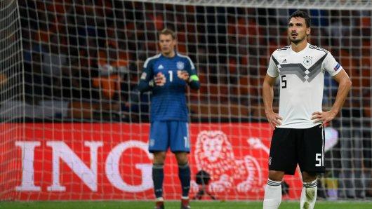 Mats Hummels  und Torwart Manuel Neuer sind bedient.